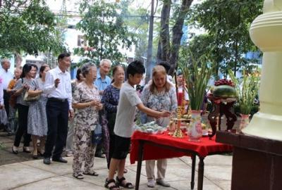 Trường Đại học Bách Khoa: Tổ chức dâng hương ngày giỗ tổ Hùng Vương