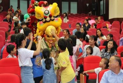 Trao học bổng Nguyễn Đức Cảnh năm học 2018-2019 và chương trình vui Trung thu